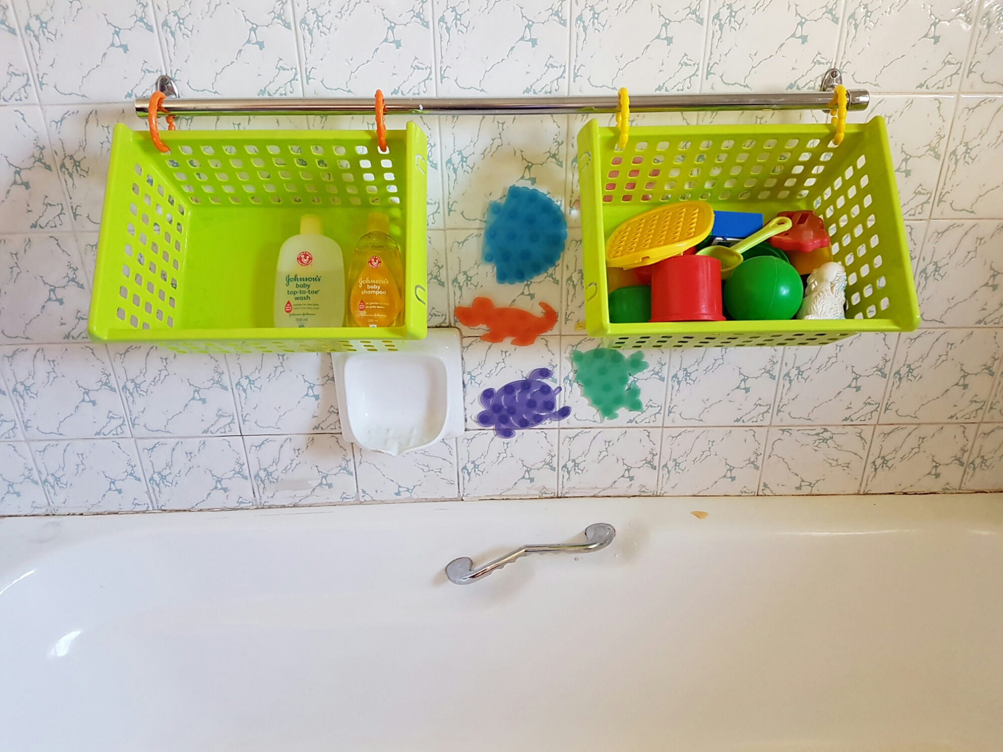 bath toy storage solution | AuthenticallyAsh.com